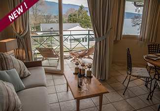 La BAIE DES VOILES : high standing residence facing the lake, second floor. 2 bed. Duplex