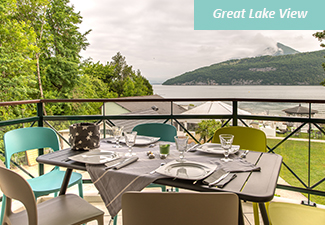La BAIE DES VOILES : high standing residence facing the lake, second floor. 1 bed. Duplex